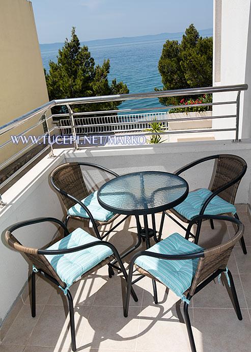 apartments Marko, Tučepi - balcony, sea view