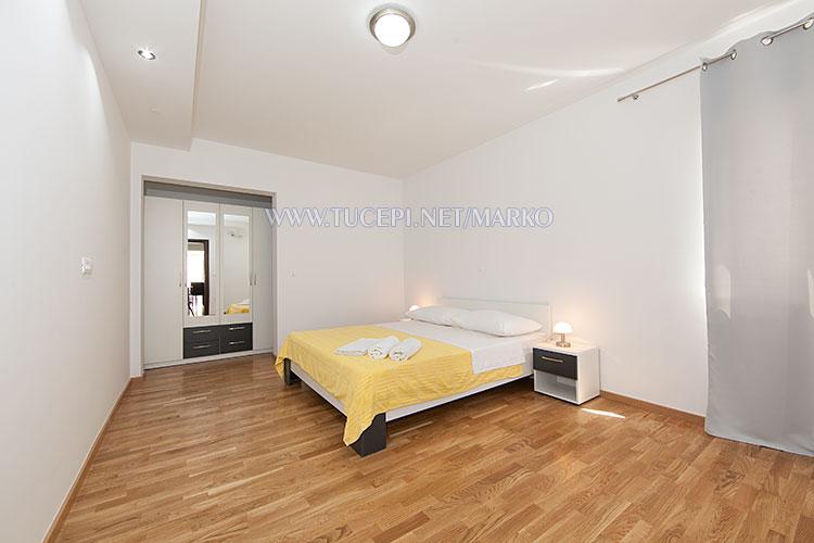 apartments Marko, Tučepi - large bedroom