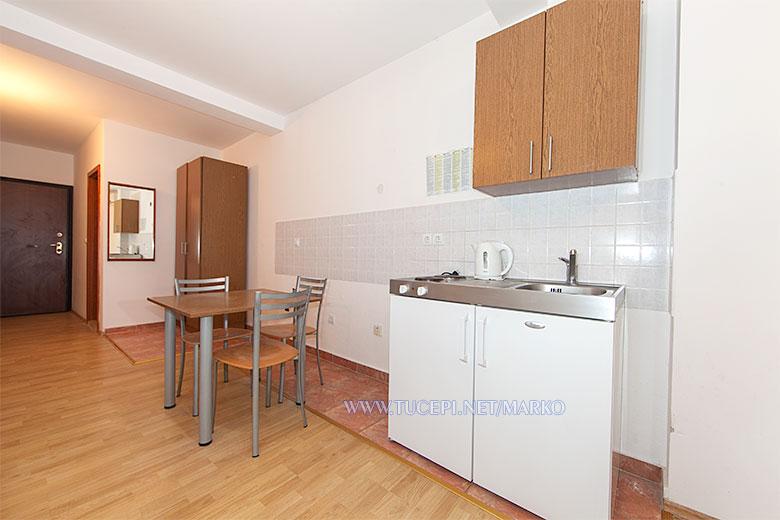apartments Marko, Tučepi - kitchen