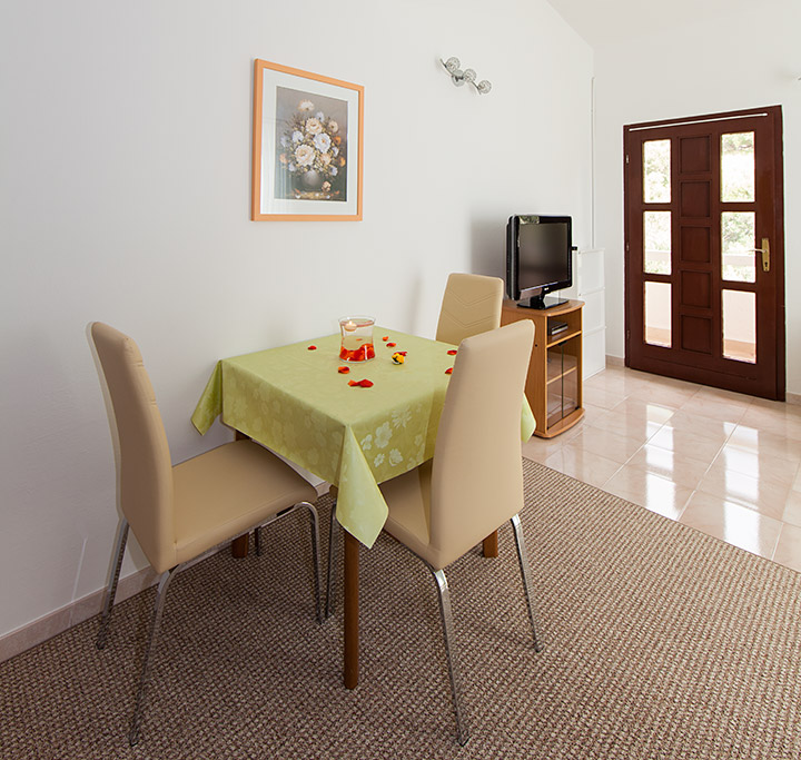Apartments Matić, Tučepi - dining room