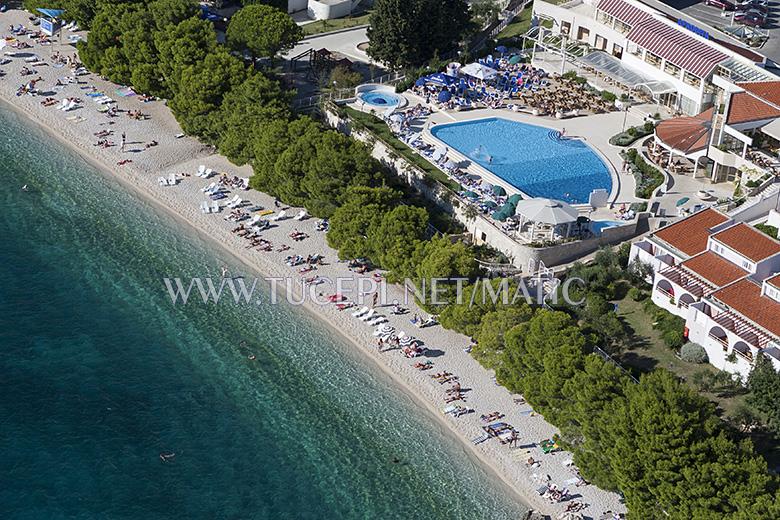 beach in Tučepi, in front of hotel Afrodita