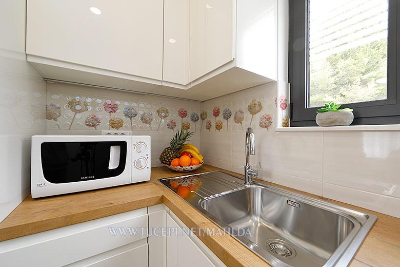 apartments Matilda, Tučepi - kitchen sink