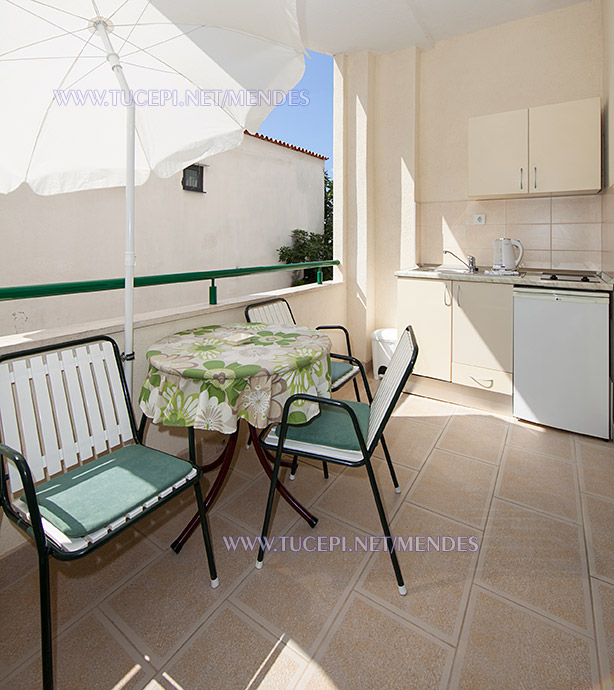 10: A2+1, balcony, Apartments Mendeš, Tučepi