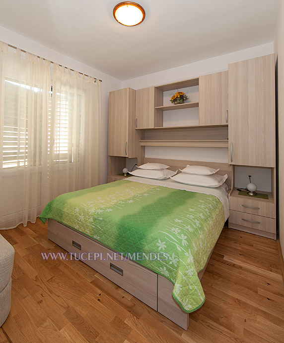 10: A2+1, bedroom, Apartments Mendeš, Tučepi