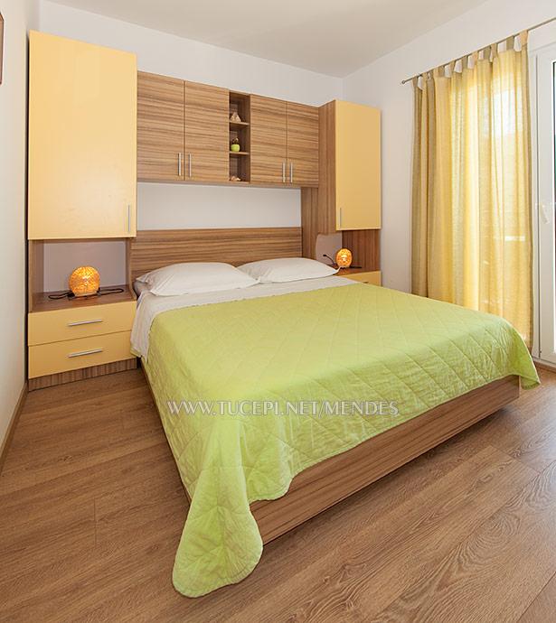 Bedroom - Apartments Mendeš, Tučepi