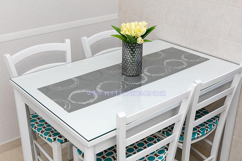 dining table - Apartments Mendeš, Tučepi