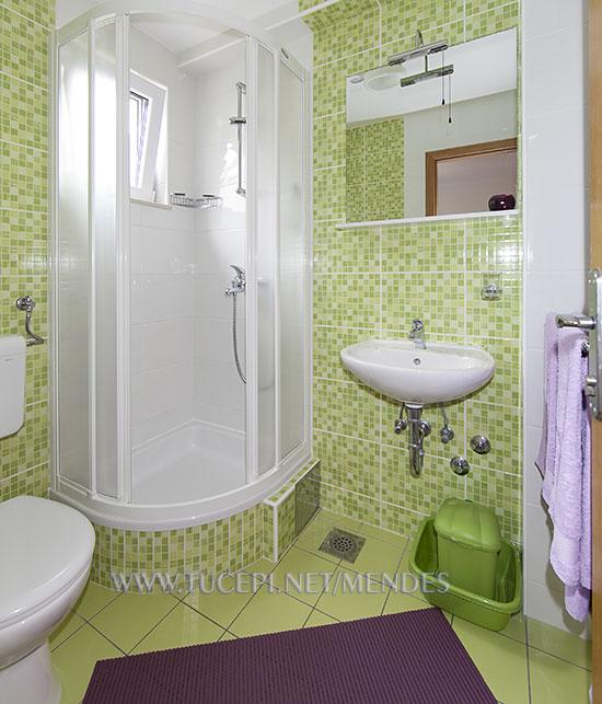 8: R2, bathroom, Apartments Mendeš, Tučepi