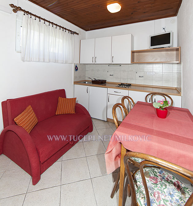 dining room in apartment Milković Tučepi Kroatien