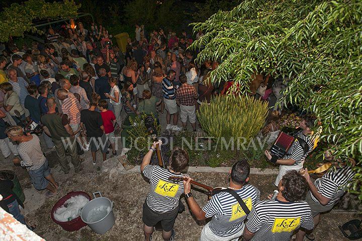 night music show in old villages around Tučepi