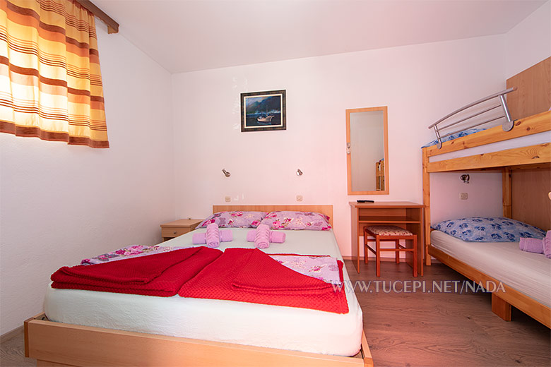 Apartments Nada, Tučepi - bedroom