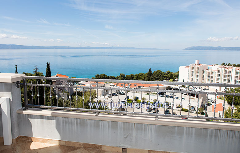 apartments Nede, Ante Grubišić, Tučepi - sea view from balcony in the morning