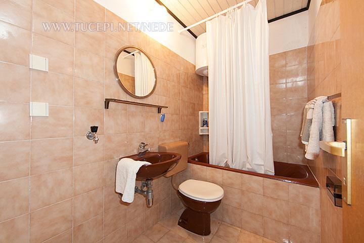 apartments Nede, Ante Grubišić, Tučepi - bathroom