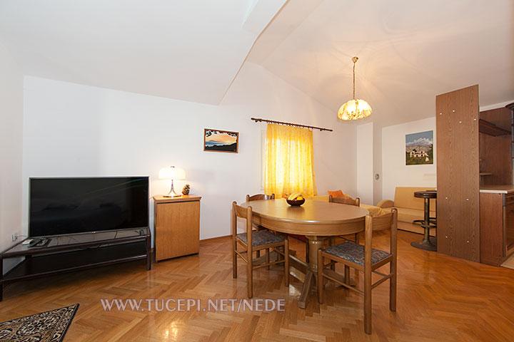 apartments Nede, Ante Grubišić, Tučepi - dining room