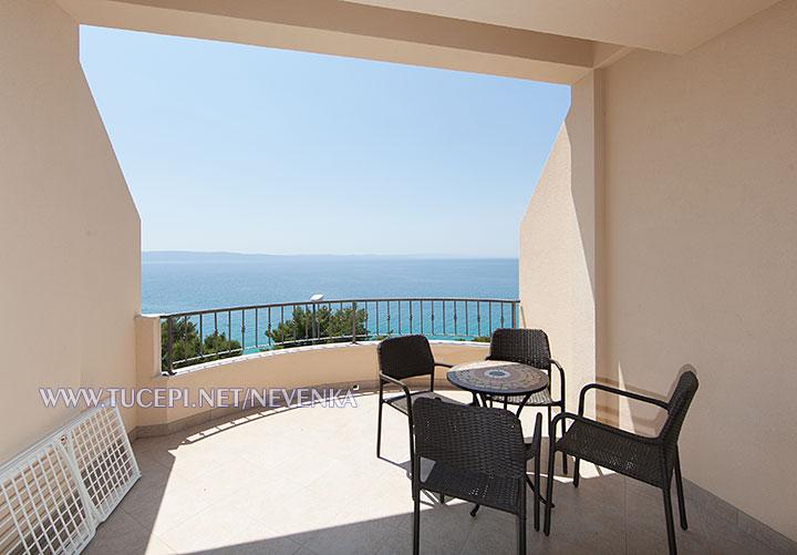 Tučepi, apartments Nevenka - large terrace with full sea view