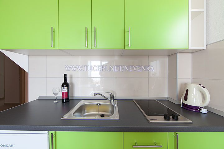 Tučepi, apartments Nevenka - kitchen, new and recent equipped