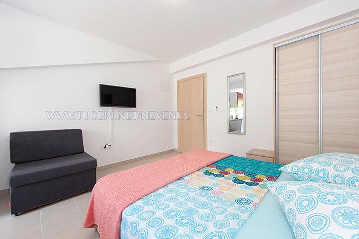 Tučepi, apartments Nevenka - bedroom