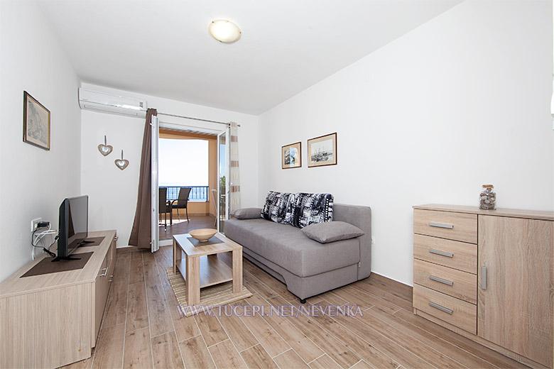 apartments Nevenka, Tučepi - living room