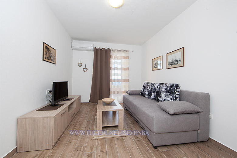 apartments Nevenka, Tučepi - liivng room