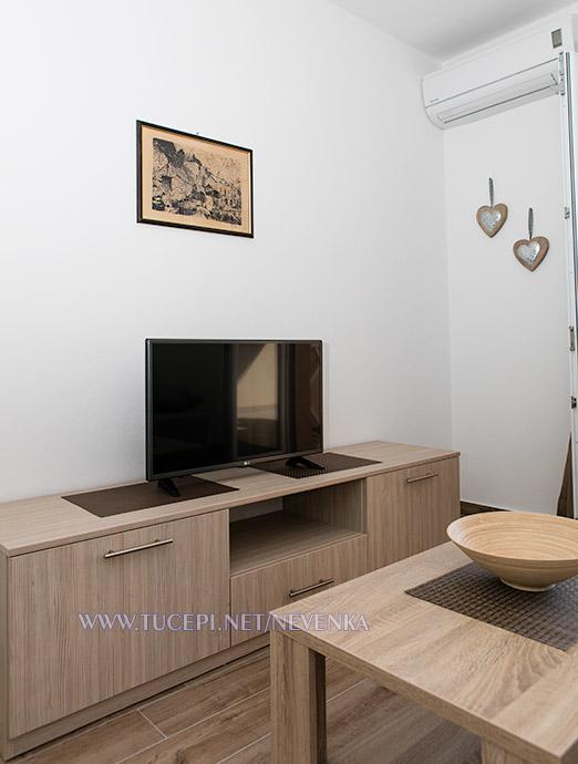 apartments Nevenka, Tučepi - TV