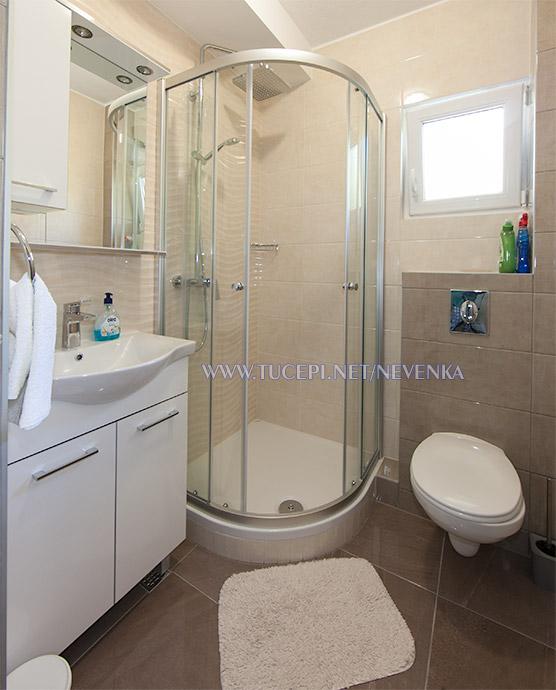 apartments Nevenka, Tučepi - bathroom