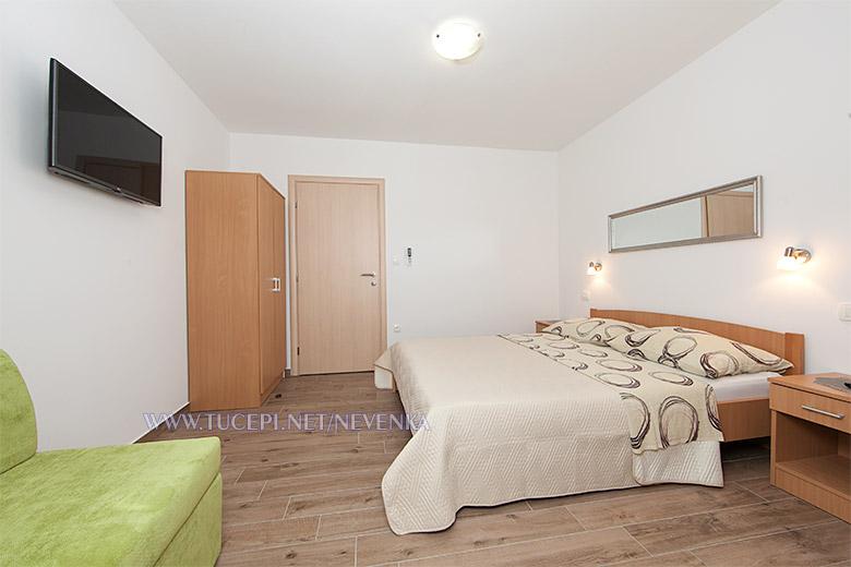 apartments Nevenka, Tučepi - bedroom
