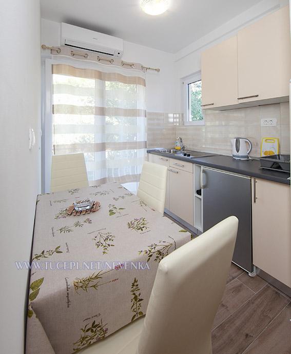 apartments Nevenka, Tučepi - dining room