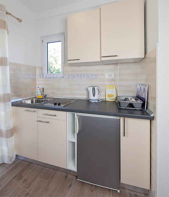 apartments Nevenka, Tučepi - kitchen