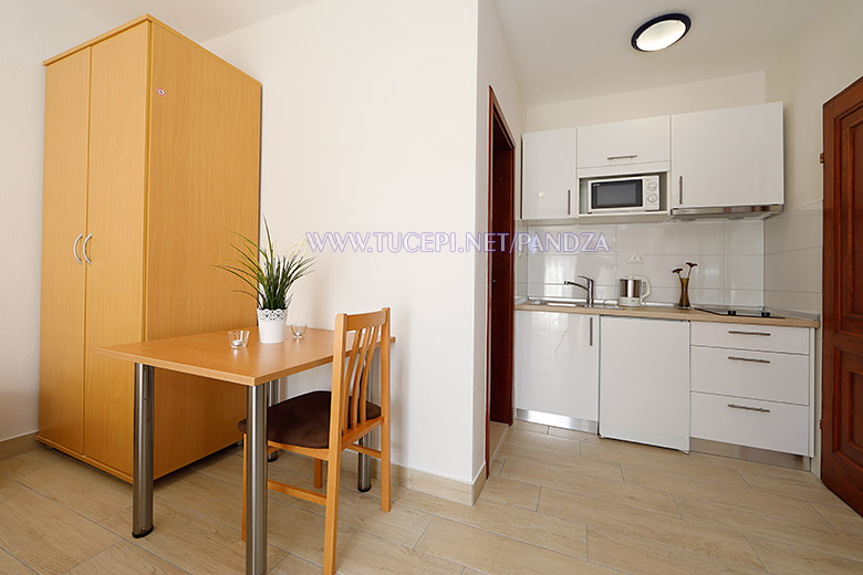 apartments Pandža, Tučepi - kitchen