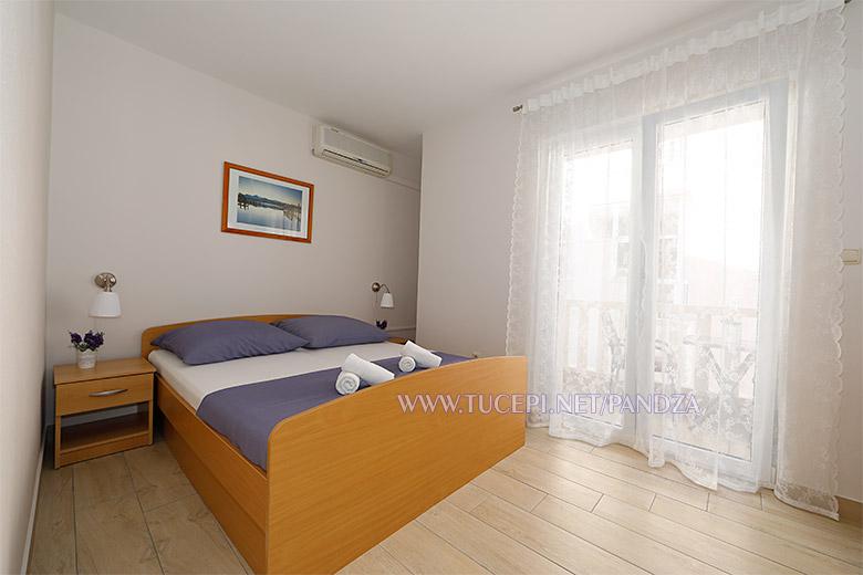apartments Pandža, Tučepi - bed