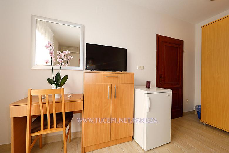apartments Pandža, Tučepi, mirror