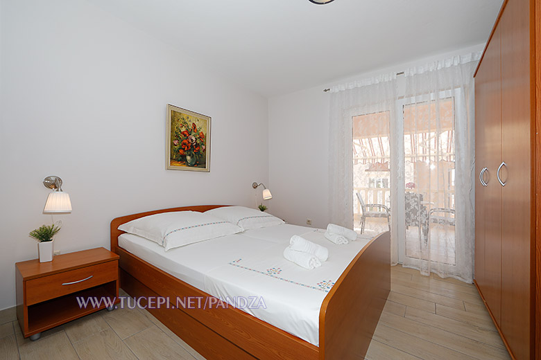 apartments Pandža, Tučepi - bedroom