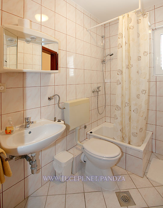 apartments Pandža, Tučepi - bathroom