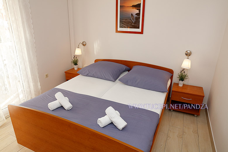 apartments Pandža, Tučepi - bedroom
