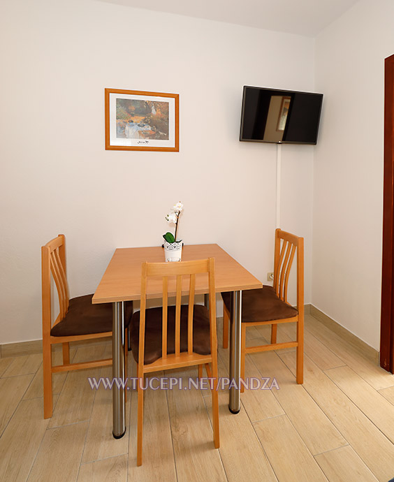 apartments Pandža, Tučepi - dining table
