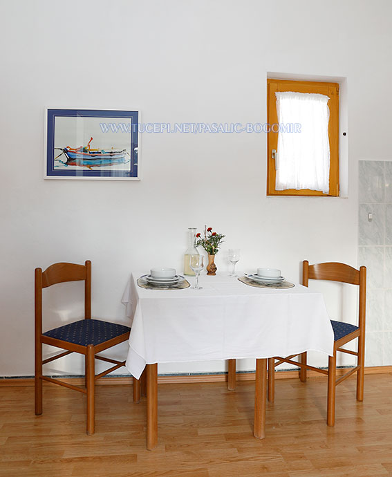 Apartments Bogomir Pašalić, Tučepi - dining room