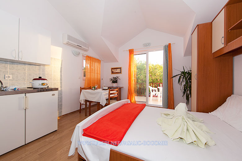 Apartments Bogomir Pašalić, Tučepi - bedroom