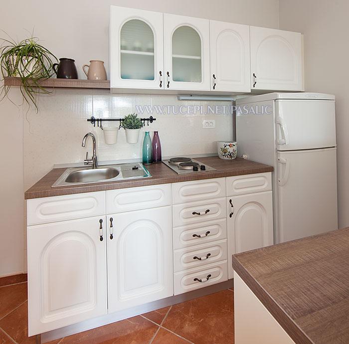 Apartments Pašalić, Tučepi - kitchen