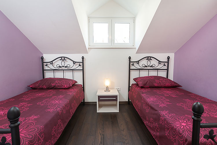 Apartments Pašalić, Tučepi - bedroom