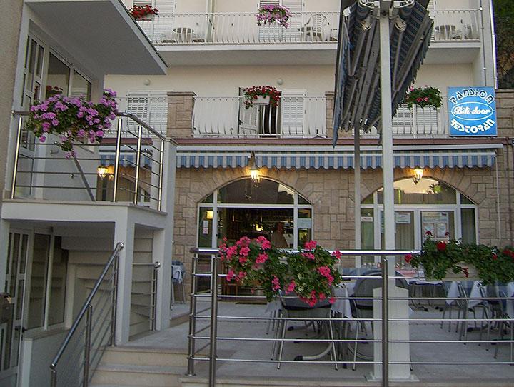 apartments Bili Dvor, Tučepi - bedroom