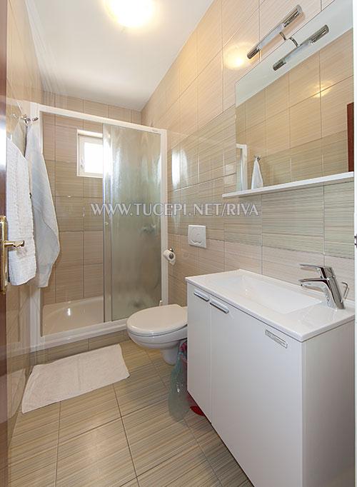 Tučepi, apartments Marija Mijačika - bathroom