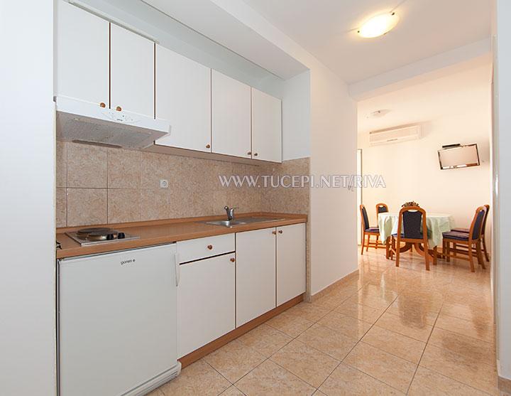 Tučepi, apartments Marija - kitchen, dining room