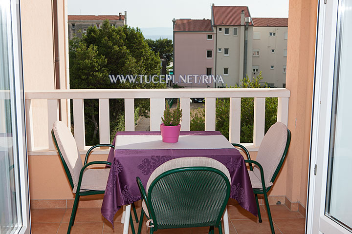 Tučepi, apartments Marija - balcony with partial sea view