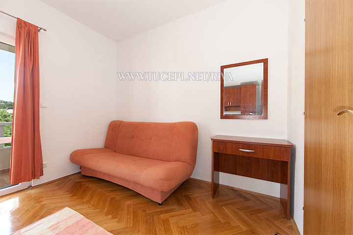 Tučepi, apartments Marija - sofa and writing desk