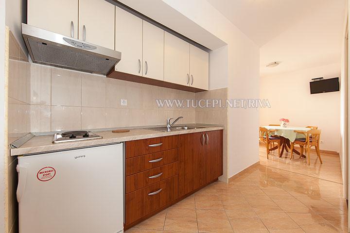 Tučepi, apartments Marija - kitchen, living room