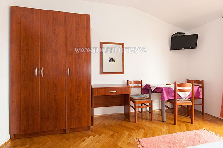 Tučepi, apartments Marija - bedroom furniture
