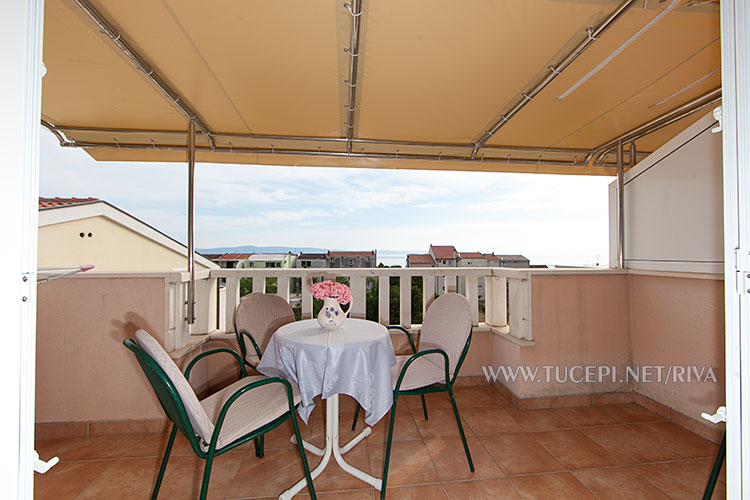 Tučepi, apartments Marija - large balcony with sea view
