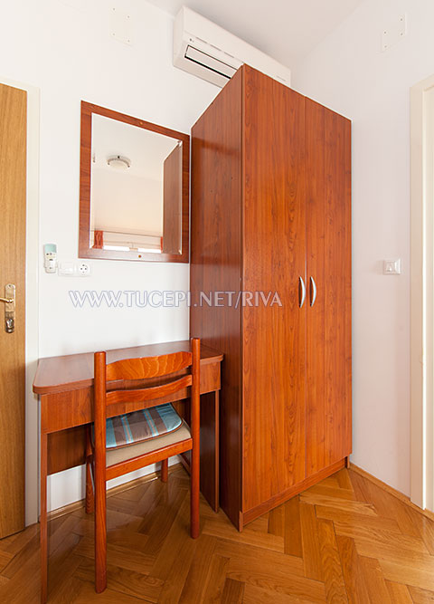 wardrobe, dressing mirror
