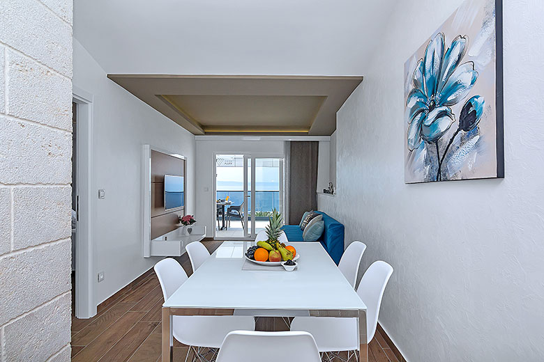 apartments Riva, Tučepi - dining table