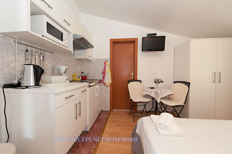 apartments Rosemarie, Tučepi - kitchen