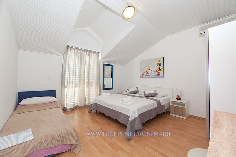 apartments Rosemarie, Tučepi - bedroom
